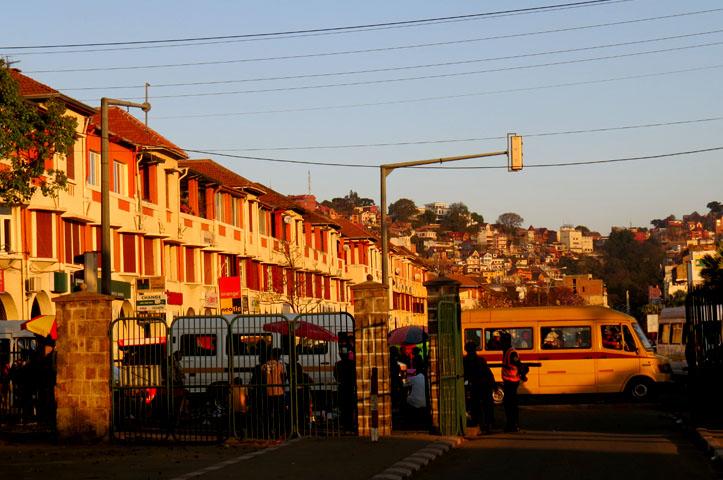Antananarivo independance avenue