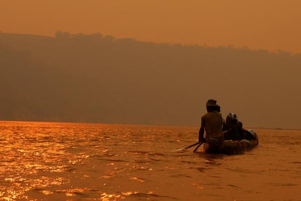 Tsiribihina river trip_pirogue